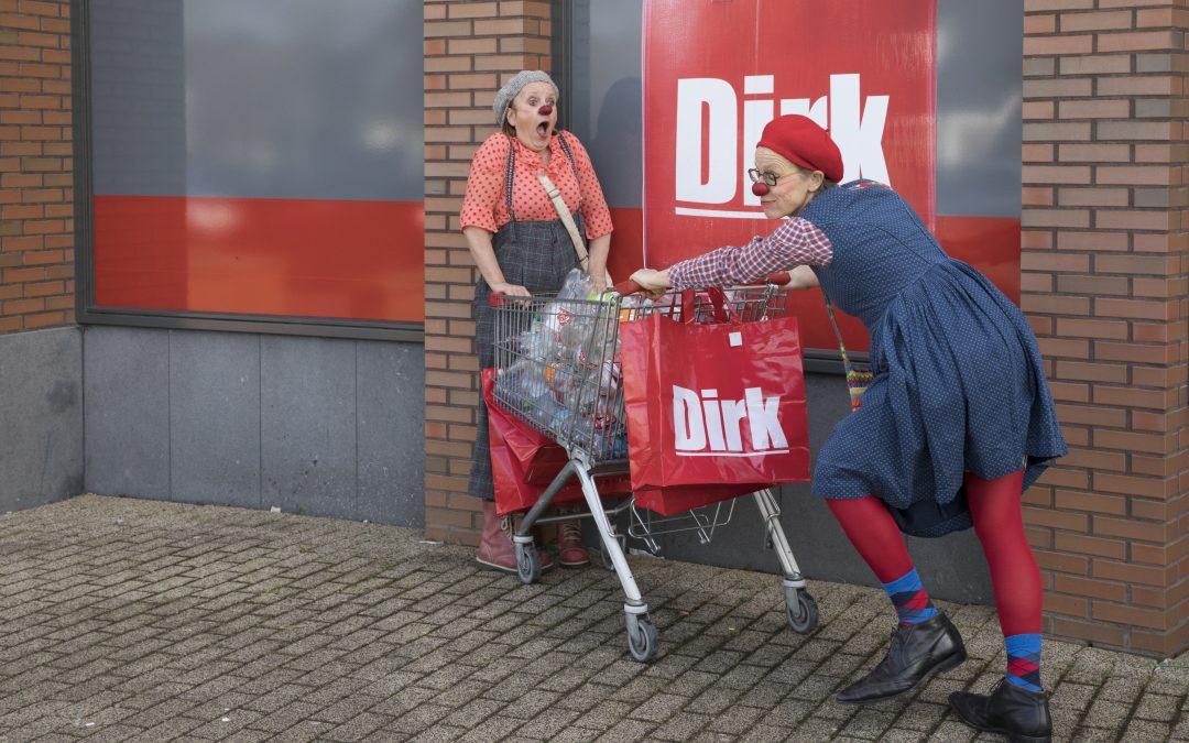 Op pad met de Cliniclowns! Ik maakte campagnebeeld voor de statiegeldactie i.s.m. supermarkt Dirk