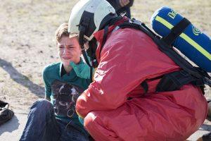 Hulpverlener stelt slachtoffer gerust